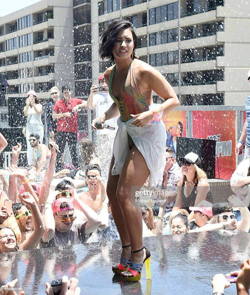 """Demi Lovato's """"Cool For The Summer"""" Pool Party : News Photo"""
