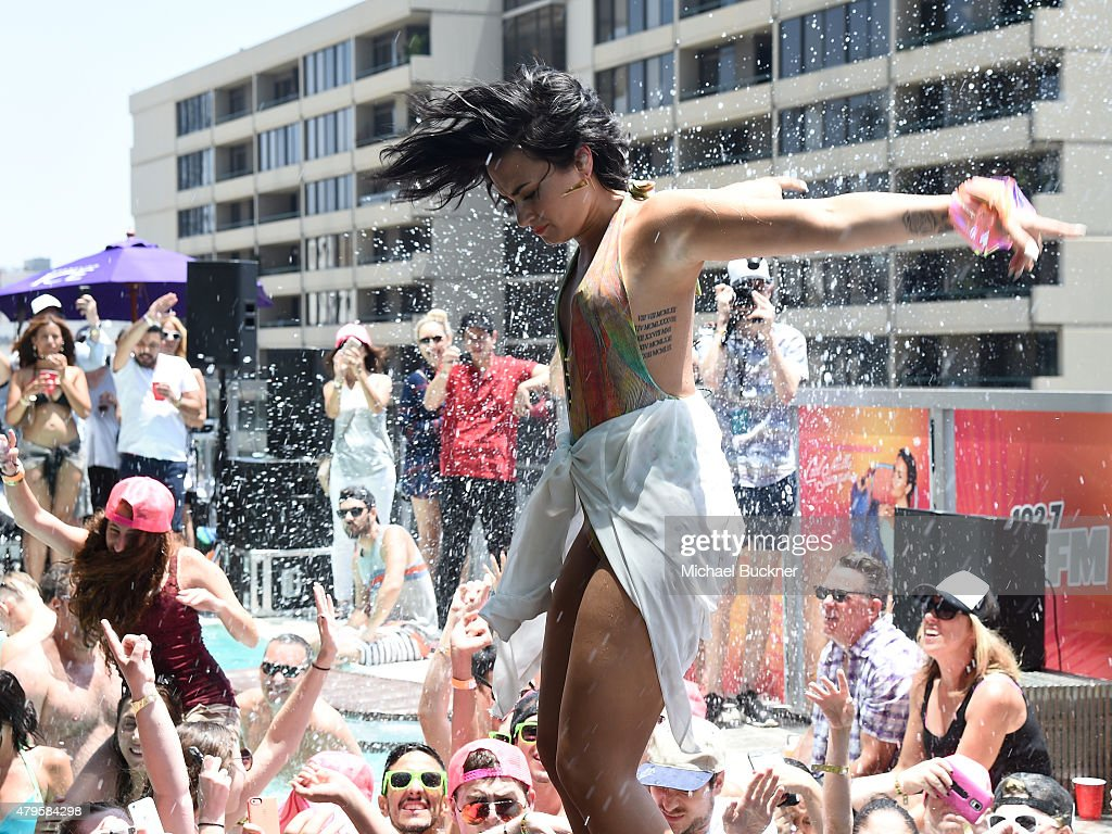 "Demi Lovato's ""Cool For The Summer"" Pool Party : News Photo"