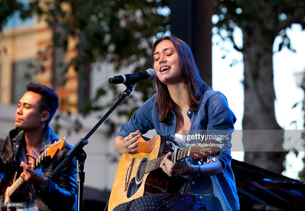 Singer Dia Frampton of NBC's 'The Voice' performs at the