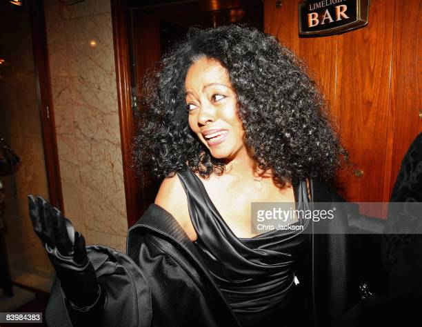 Singer Diana Ross arrives at the Norwegian Nobel Committe Banquet at the Grand Hotel on December 10, 2008 in Oslo, Norway. The Norwegian Nobel...