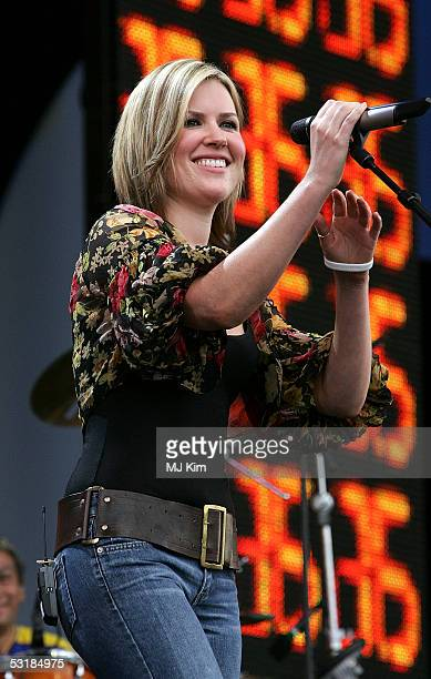 Singer Dido performs on stage at Live 8 London in Hyde Park on July 2 2005 in London England The free concert is one of ten simultaneous...