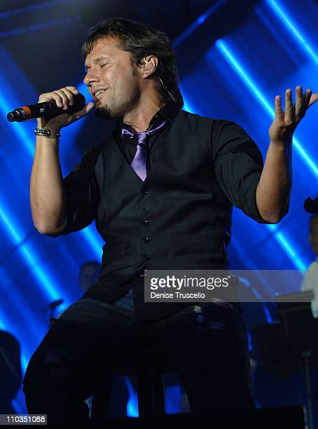 Singer Diego Torres on stage at the 8th Annual Latin GRAMMY Awards Person of the Year celebration at Mandalay Bay on November 7 2007 in Las Vegas...