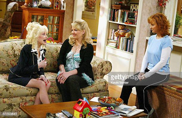 Singer Dolly Parton actress Melissa Peterman and actress/singer Reba McEntire appear on the set of The WB's Reba at 20th Century Fox Studios on...