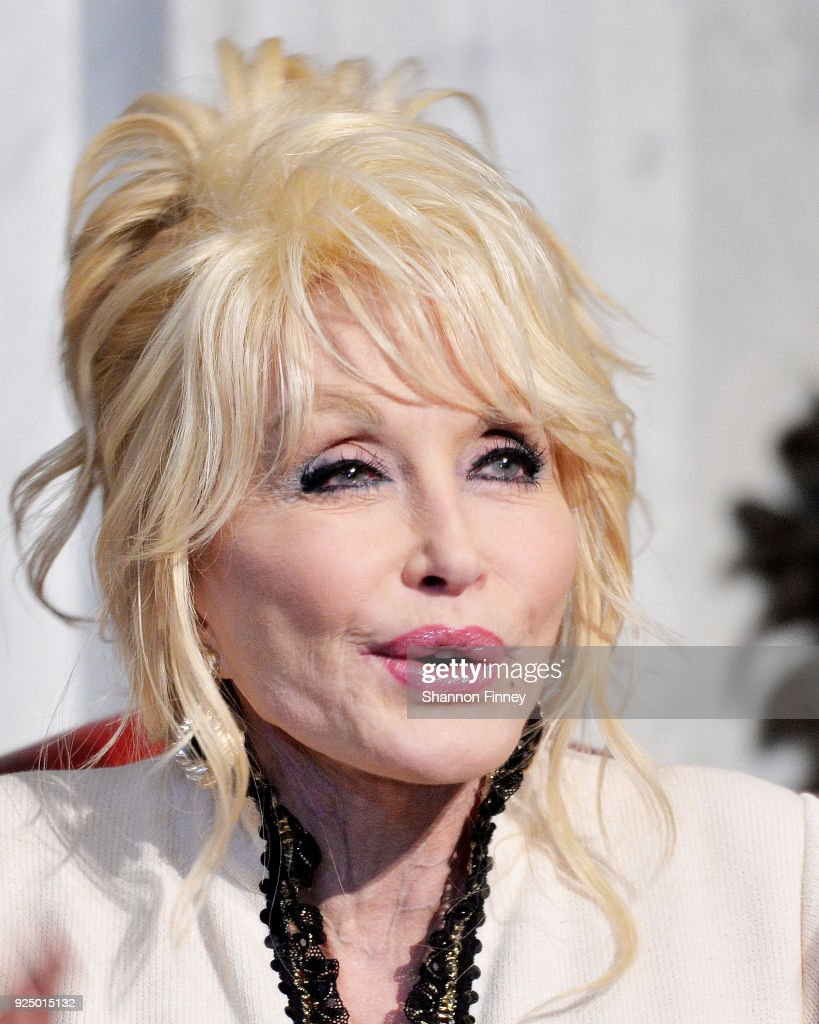 Dolly Parton's Imagination Library Donates 100 Millionth Book To Library Of Congress : News Photo