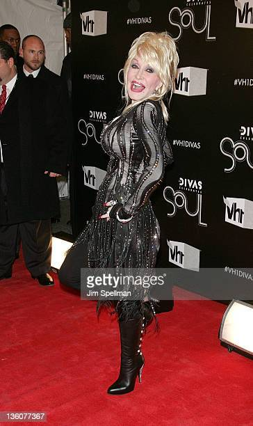 Singer Dolly Parton attends 2011 VH1 Divas Celebrates Soul at the Hammerstein Ballroom on December 18 2011 in New York City