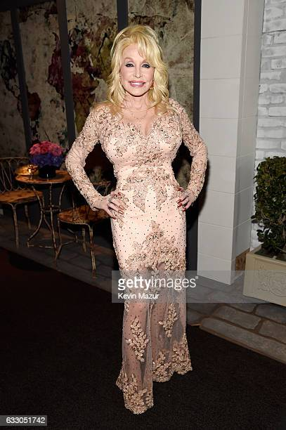 Singer Dolly Parton attends The 23rd Annual Screen Actors Guild Awards at The Shrine Auditorium on January 29 2017 in Los Angeles California 26592_011