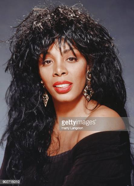 Singer Donna Summer poses for a portrait in 1981 in Los Angeles California