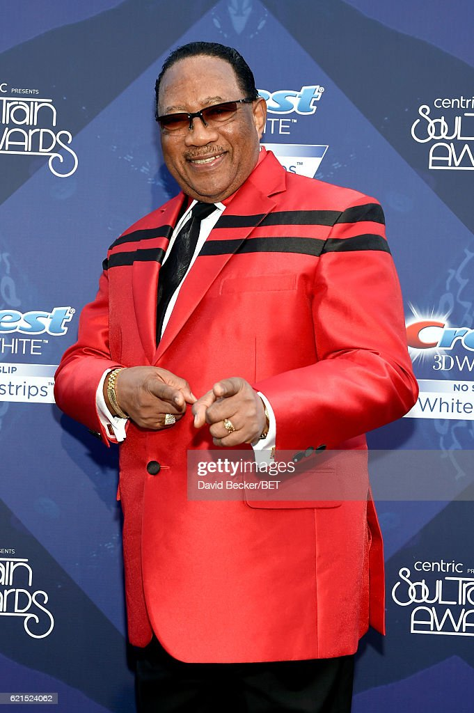 2016 Soul Train Music Awards - Crest Style Stage