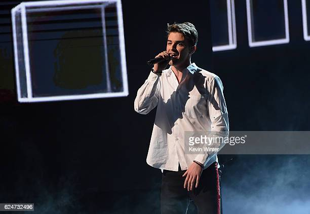 Singer Drew Taggart of The Chainsmokers performs onstage during the 2016 American Music Awards at Microsoft Theater on November 20 2016 in Los...