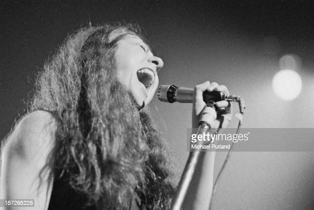Singer Elkie Brooks performing with English rock group Vinegar Joe at the Roundhouse, Camden, London, 4th May 1972.