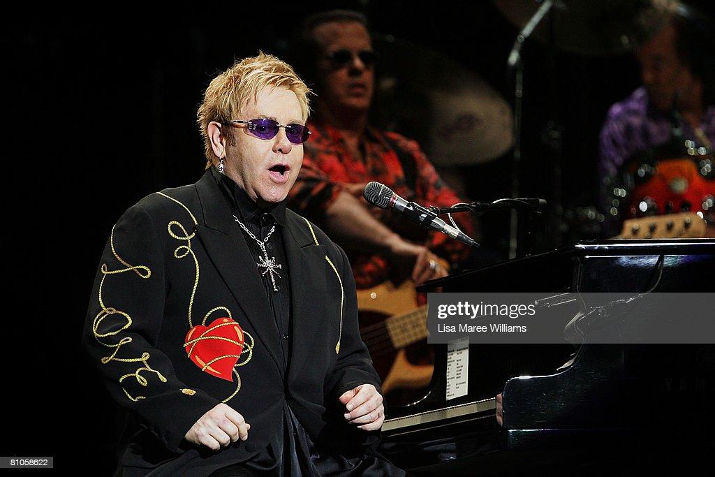 Elton John Plays Sydney : News Photo