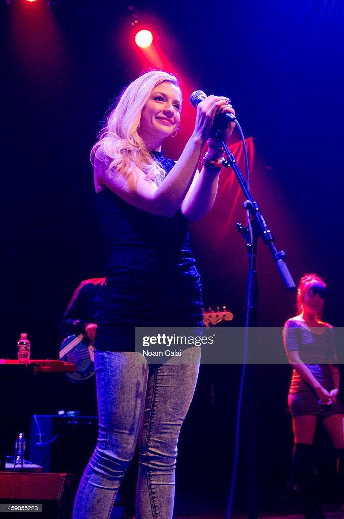 Emily Kinney In Concert : News Photo