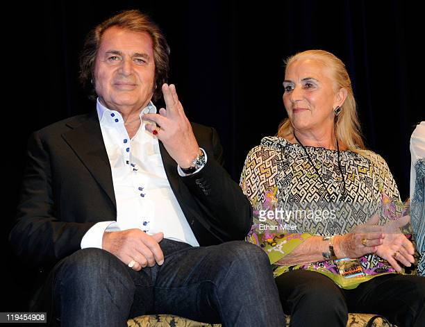 Singer Engelbert Humperdinck and his wife Patricia Dorsey appear at the Paris Las Vegas during his Las Vegas Walk of Stars dedication ceremony July...