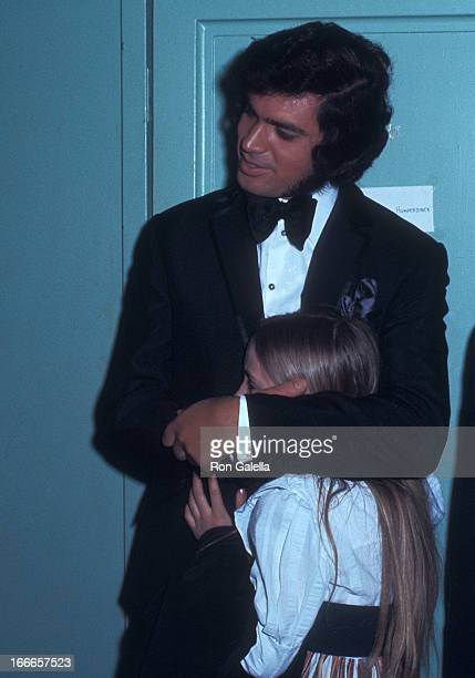 Singer Engelbert Humperdinck peforms in concert on April 1 1971 at the White Plains Civic Center in White Plains New York