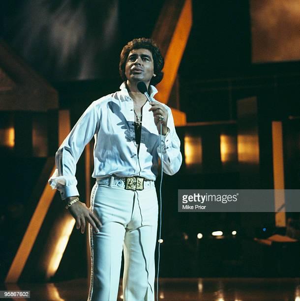 Singer Engelbert Humperdinck performs on a television show circa 1970