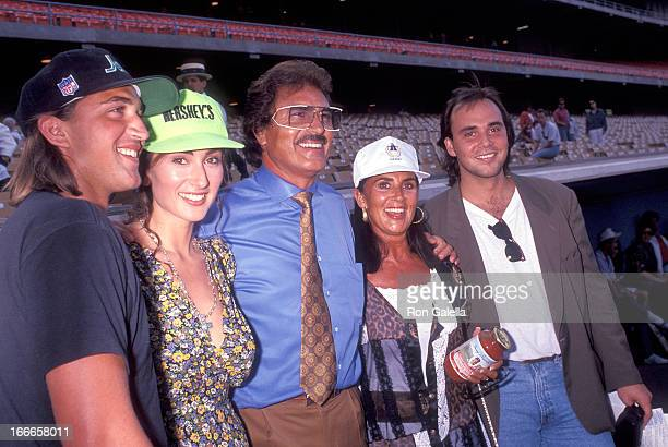 Singer Engelbert Humperdinck wife Patricia Healey and son Bradley Dorsey daughter Louise Dorsey and son Scott Dorsey attend the 34th Annual Hollywood...