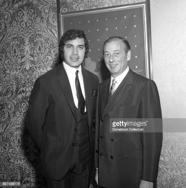 Singer Englebert Humperdinck and guest at the vocal group 5th Dimension Liberty UA Records party on May 13 1969 in New York New York