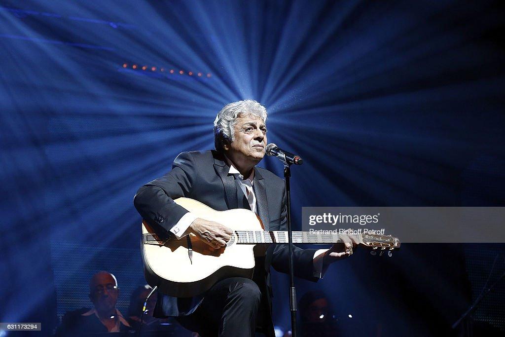 Enrico Macias Performs At L'OLympia : News Photo