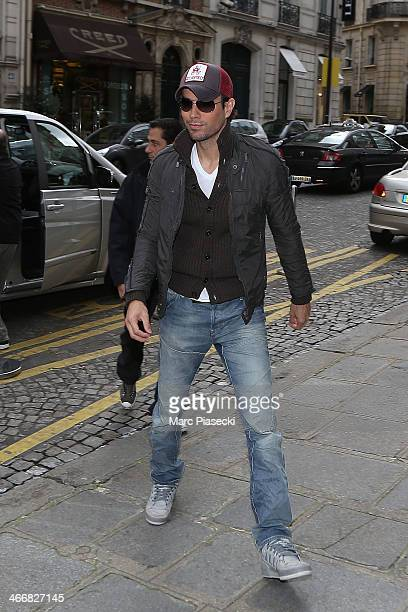 Singer Enrique Iglesias arrives at the 'Hotel de Sers' on February 4 2014 in Paris France