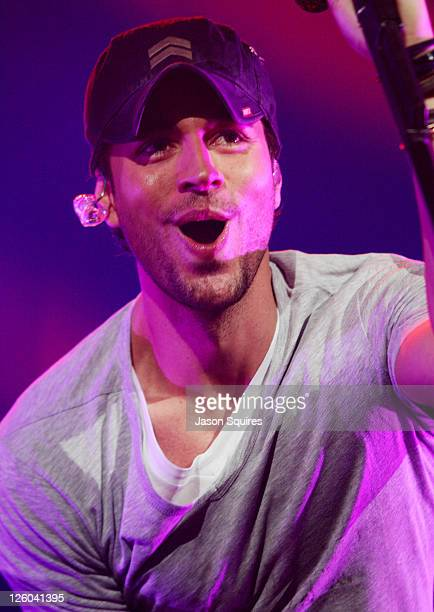 Singer Enrique Iglesias performs at Mix 933's Jingle Jam at Sprint Center on December 3 2010 in Kansas City Missouri