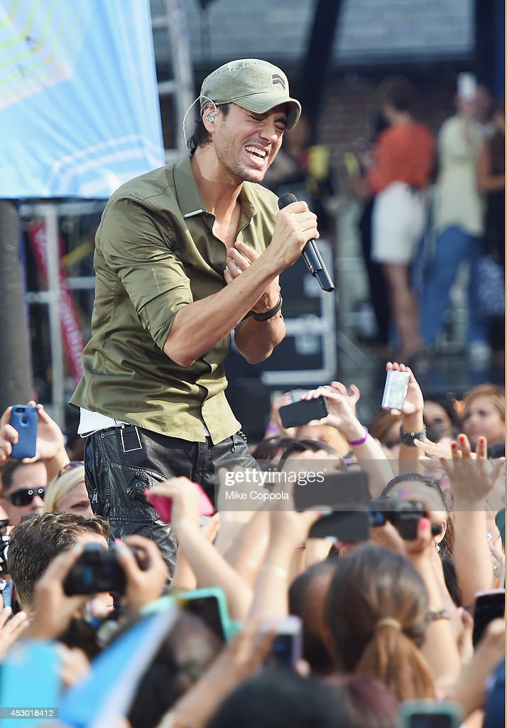 Singer Enrique Iglesias performs On ABC's 'Good Morning America' at Rumsey Playfield, Central Park on August 1, 2014 in New York City.