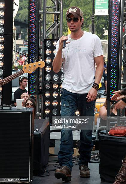 Singer Enrique Iglesias performs on CBS' 'The Early Show' at CBS Early Show Studio Plaza on July 16 2010 in New York City
