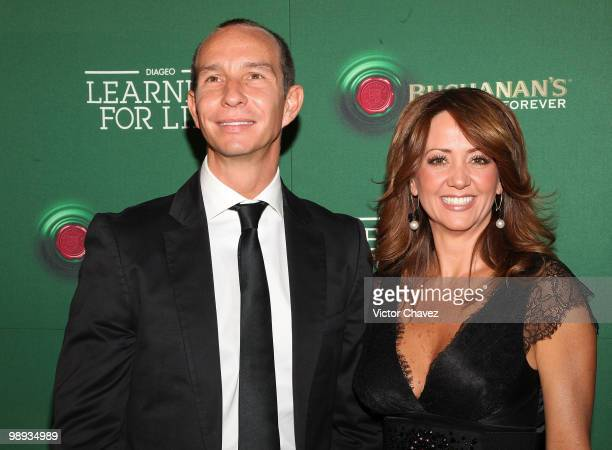 Singer Erik Rubin and his wife tv personality Andrea Legarreta attend the Buchanan's Forever 2010 Learning For Life at Colegio de las Vizcainas on...