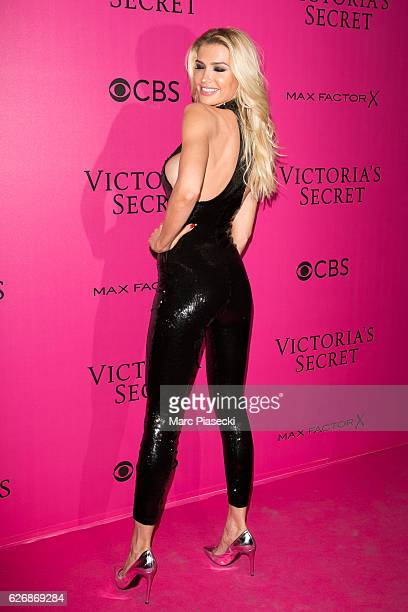 Singer Eva Pavlova attends '2016 Victoria's Secret Fashion Show' Pink carpet photocall at Le Grand Palais on November 30 2016 in Paris France