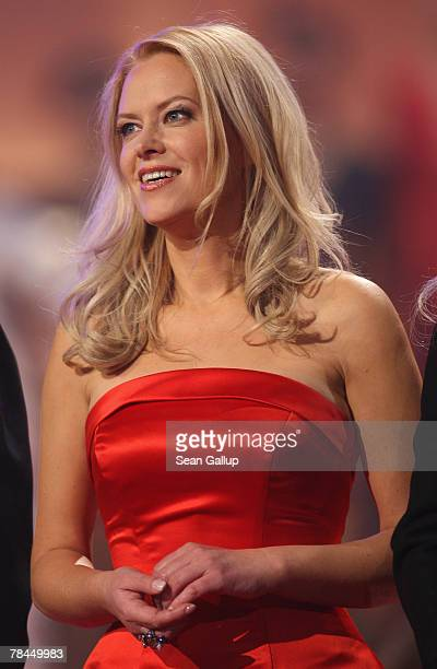 Singer Evelyn Fischer attends the final dress rehearsal to the 2007 Jose Carreras Gala December 13 2007 in Leipzig Germany The Jose Carreras Gala is...