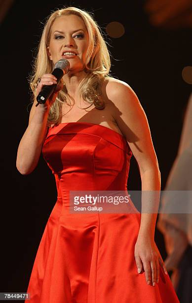 Singer Evelyn Fischer performs at the final dress rehearsal to the 2007 Jose Carreras Gala December 13 2007 in Leipzig Germany The Jose Carreras Gala...