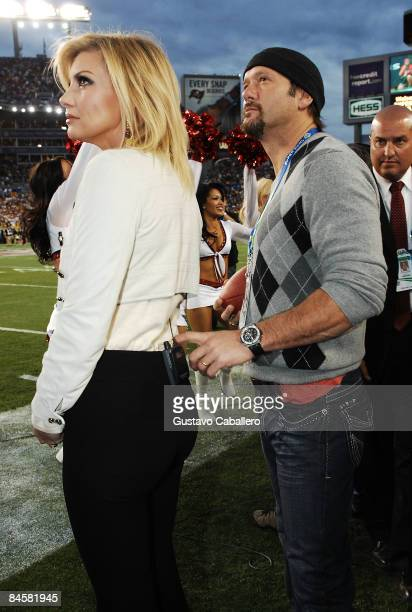 Singer Faith Hill and Tim McGraw attend Super Bowl XLIII between the Arizona Cardinals and the Pittsburgh Steelers on February 1 2009 at Raymond...