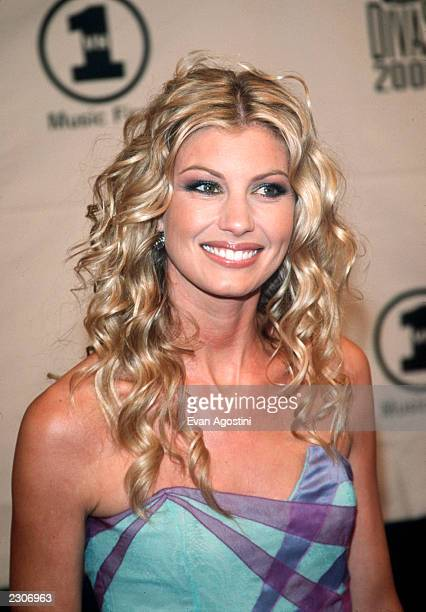 Faith hill vh1 divas 2000 stock photos and pictures for Diva 2000