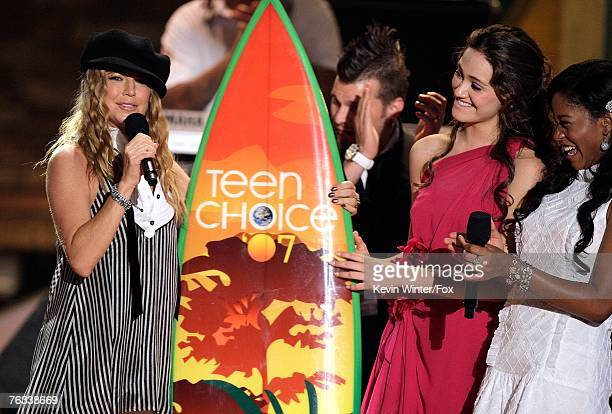 Singer Fergie accepts the 'Choice Music Female Artist' award from actresses Emmy Rossum and Keke Palmer onstage during the 2007 Teen Choice Awards...