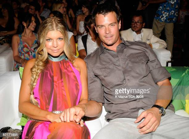 LOS ANGELES CA AUGUST 03 Singer Fergie and actor Josh Duhamel during the 2008 Teen Choice Awards at Gibson Amphitheater on August 3 2008 in Los...