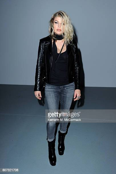 Singer Fergie attends the Gareth Pugh show during London Fashion Week Spring/Summer collections 2017 on September 17 2016 in London United Kingdom
