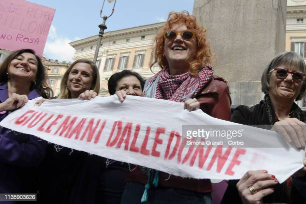 Singer Fiorella Mannoia with Women from various associations and the Non Una di Meno movement protests in front of the parliament against the decree...