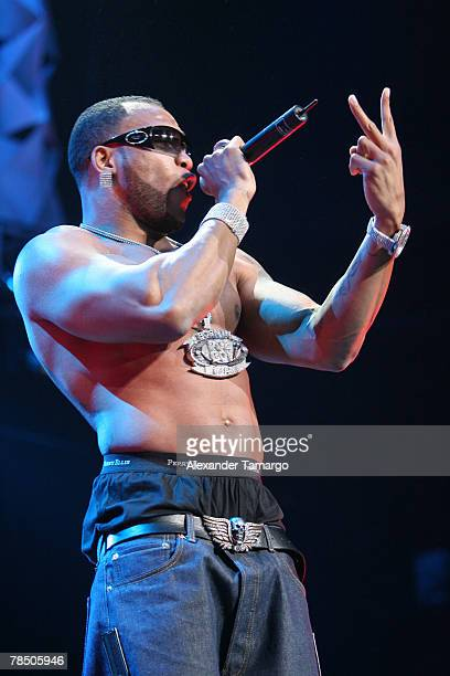 Singer Flo Rida performs on stage at the Bank Atlantic Center during the Y100 Jingle Ball concert on December 15 2007 in Sunrise Florida