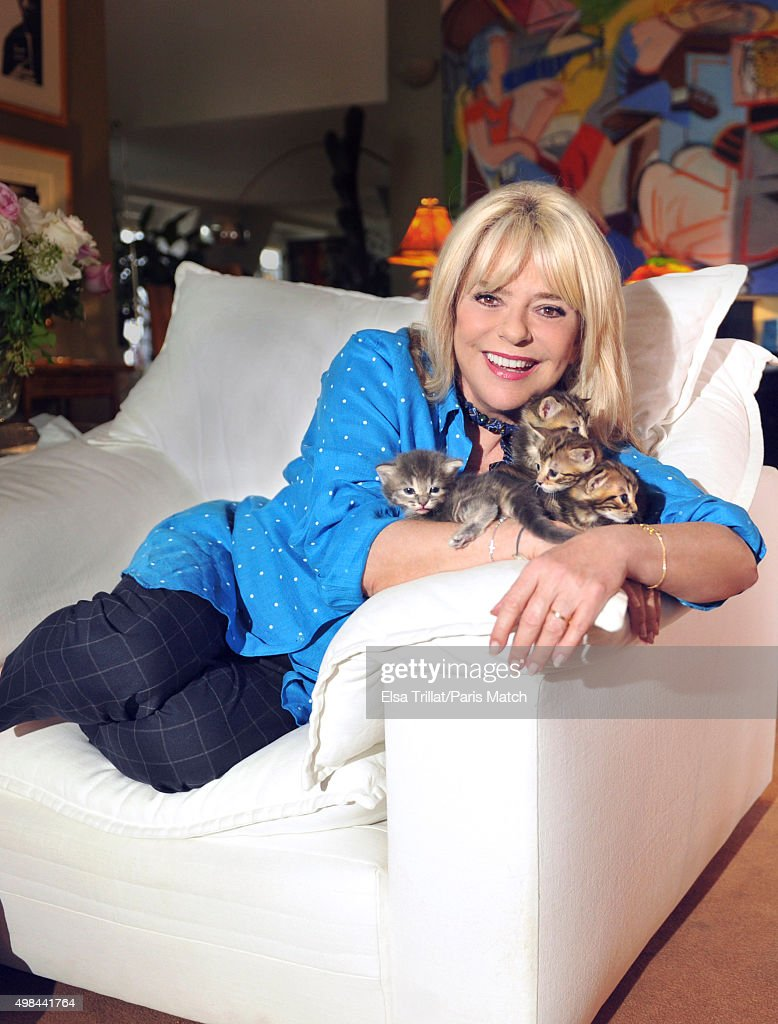 France Gall, Paris Match Issue 3466, October 28, 2015