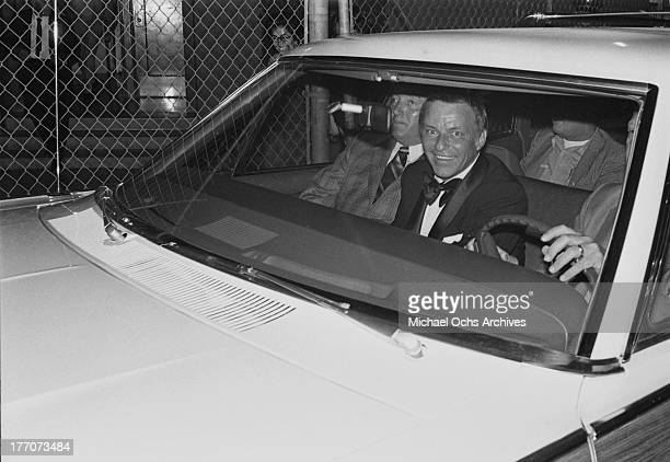 Singer Frank Sinatra arrives at a benefit concert for the Lartino arts foundation 'Nosotros' at The Hollywood Bowl on August 16 1970 in Los Angeles...