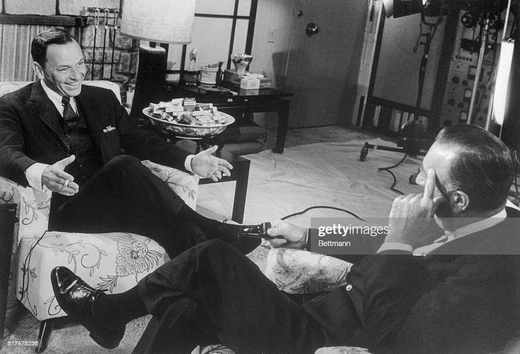 Frank Sinatra and Walter Cronkite Sitting and Talking : News Photo