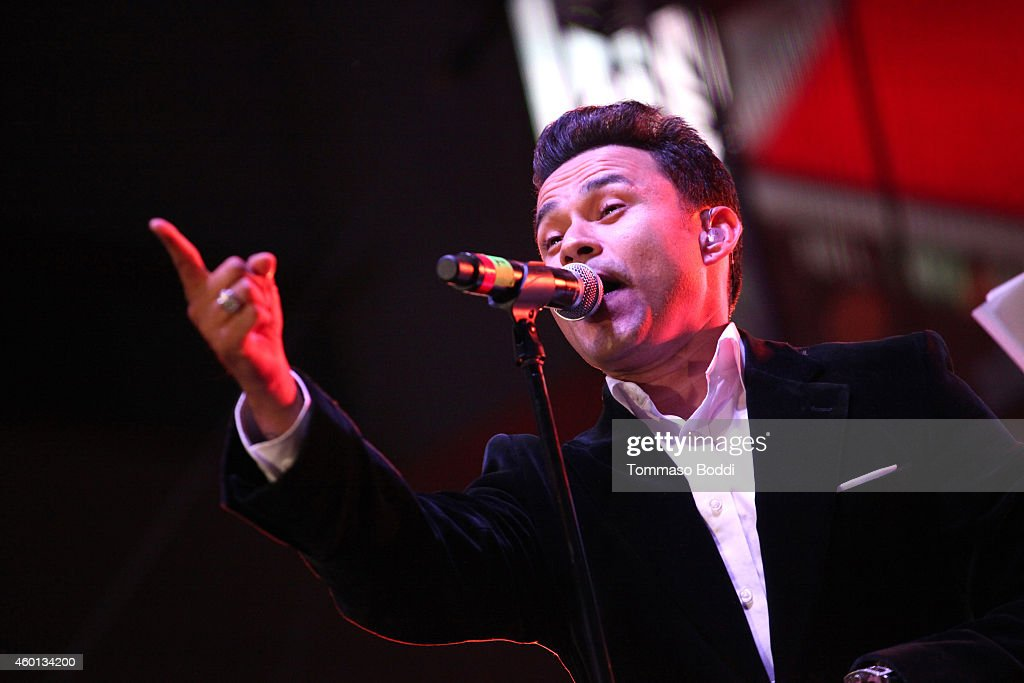 KOST 103.5's ChristmasLand Festival and Concert Series - Opening Ceremony & Frankie J Performance : News Photo