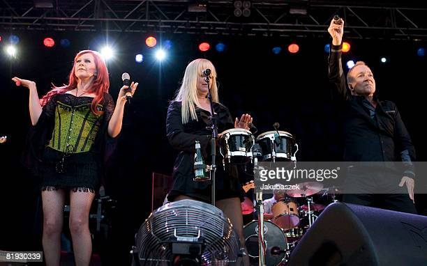 Singer Fred Schneider Cindy Wilson and Kate Pierson of the US Rock band 'The B52's' perform live during a concert at the Zitadelle on July 14 2008 in...
