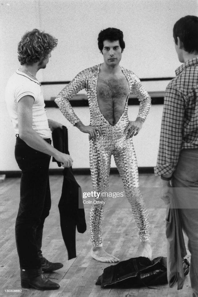 Queen Ballet Lesson : News Photo