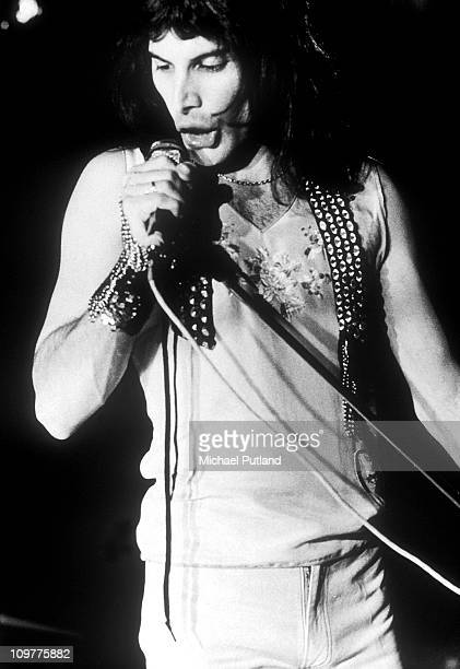 Singer Freddie Mercury of British rock band Queen performing in rehearsal in London on 8th July 1973