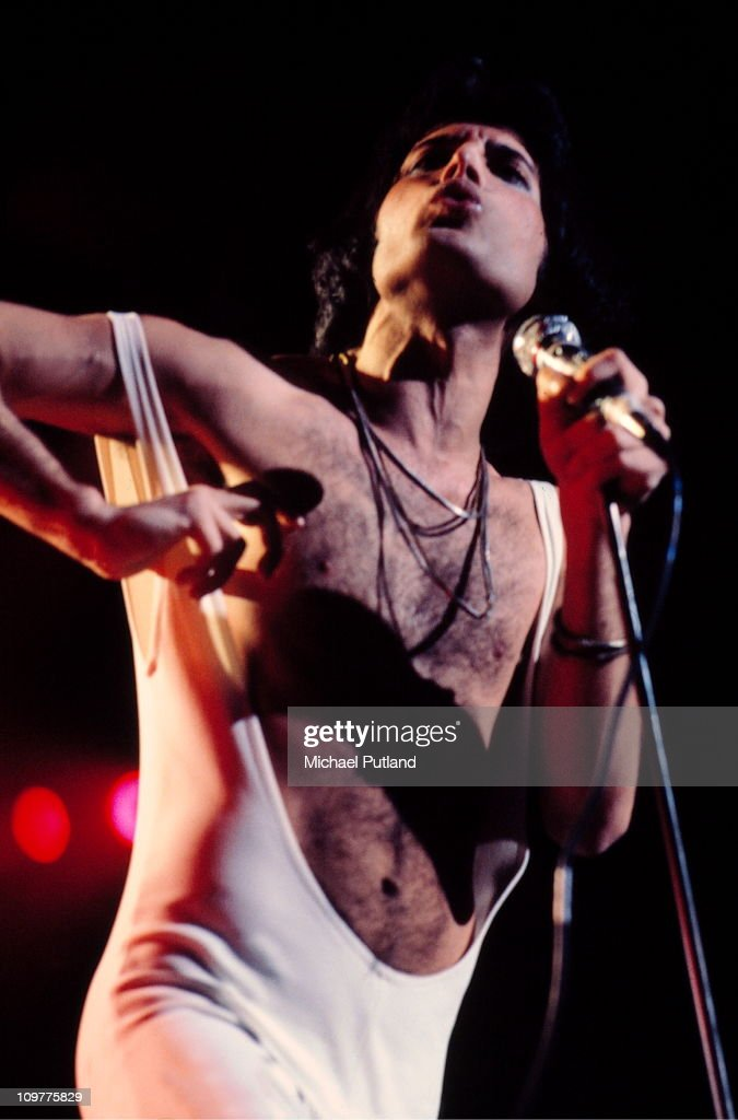 Freddie Mercury Of Queen On Stage : News Photo