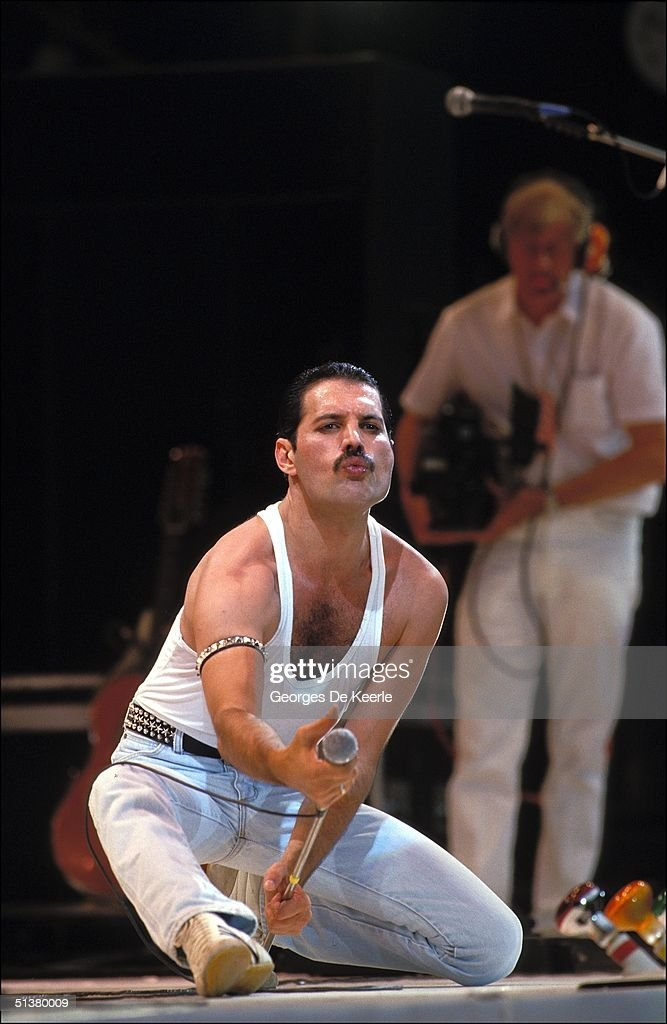 GBR: Live Aid for Africa at Wembley Stadium : News Photo