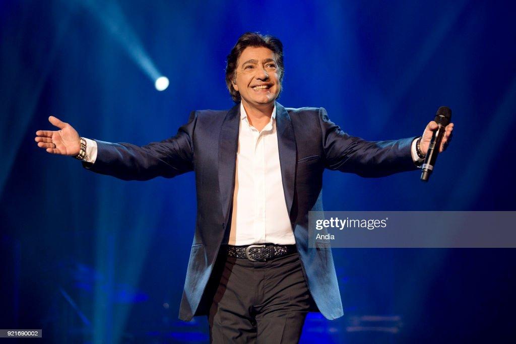 Singer Frederic Francois. : News Photo