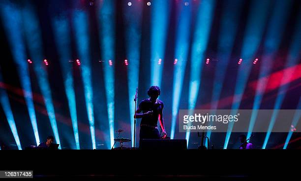Singer Gary Lightbody of Snow Patrol performs on stage during a concert in the Rock in Rio Festival on September 24, 2011 in Rio de Janeiro, Brazil.