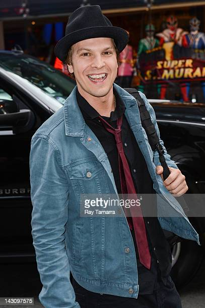Singer Gavin DeGraw enters the Good Morning America taping at the ABC Times Square Studios on April 18 2012 in New York City