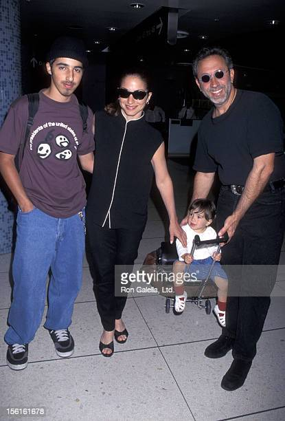 Singer Gloria Estefan husband Emilio Estefan son Nayib Estefan and daughter Emily Estefan being photographed on April 30 1996 at Los Angeles...